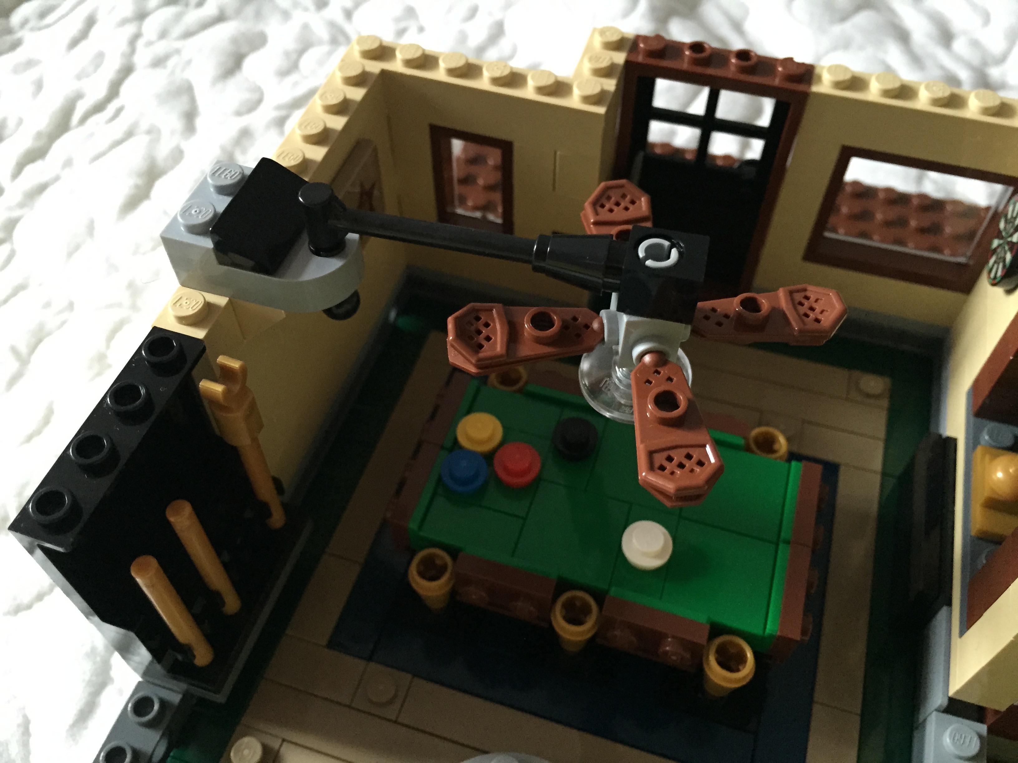 lego creator expert detective s office 10246 review. Black Bedroom Furniture Sets. Home Design Ideas