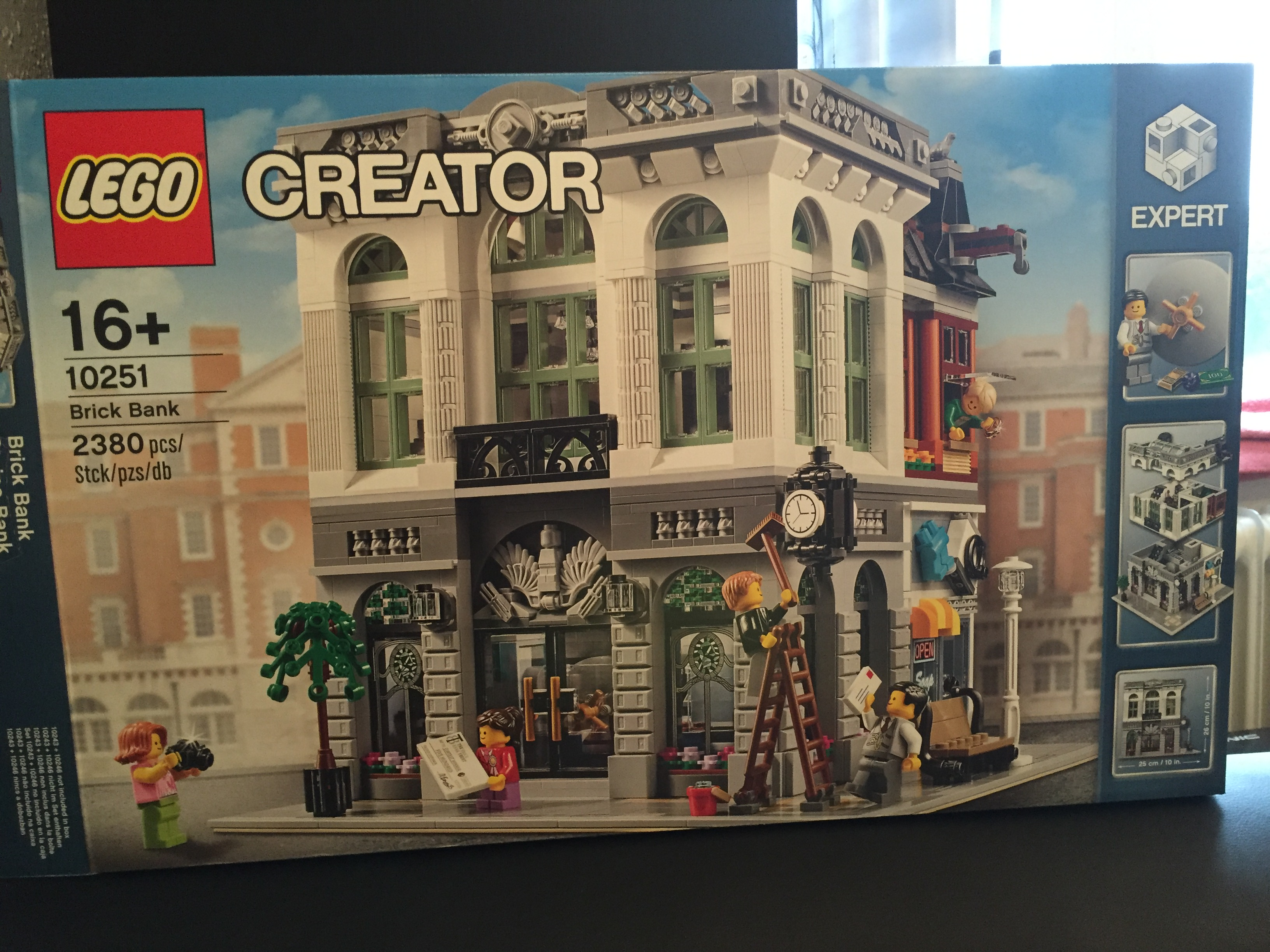 Lego Creator Expert Brick Bank 10251 Review Legendiary